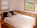 Chignik-Bay-Adventures-lodge-bedroom